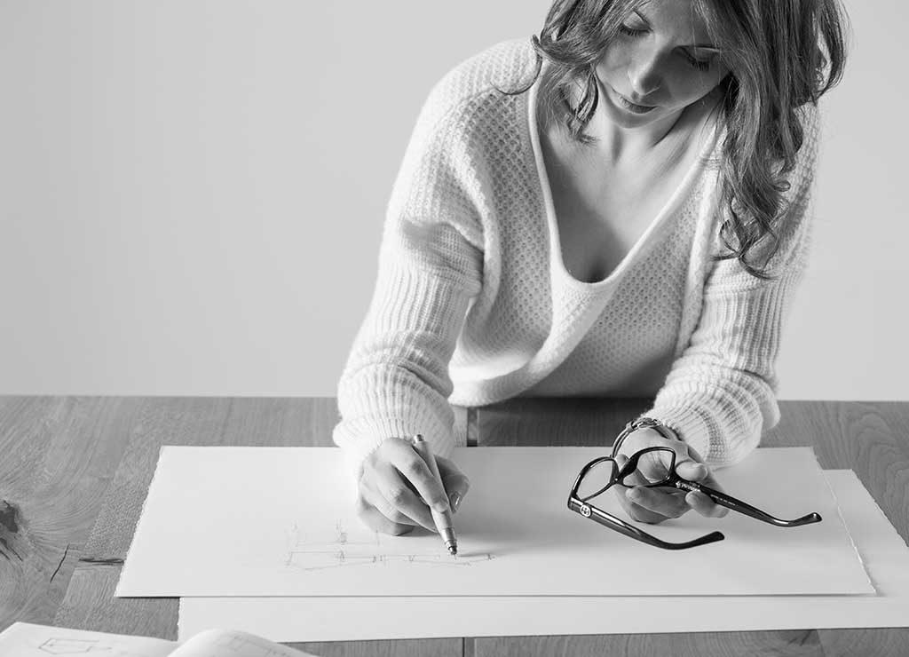AdOpera, studio pubblicitario, comunicazione, immagine. Still-life, fashion, portrait: redazionali LISA DE CHIRICO